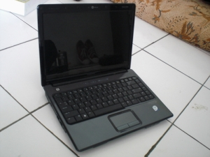 compaq-V3736TU-02